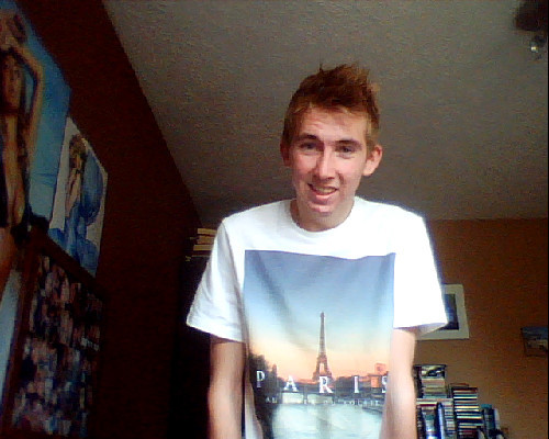 right off out now for a BBQ, with my new Paris top from topman. Oh also really gutted I didn't get my Britney tickets this morning due to the price be so expensive and Nicki Minaj isnt coming to the UK so hopefully my friends will cheer me up! <3