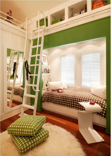 Who doesn't love bunk beds? Personal space for both kids…  (via Inspiration : 10 Beautiful Kids Rooms Design Ideas | Interior Design Blog - Interior Design Ideas, Tips & Inspiration)