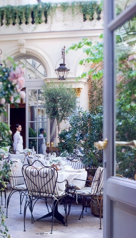 Ralph Lauren Paris - Courtyard Cafe Restaurant