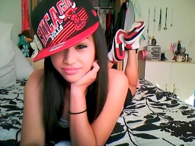 slamitdamnit:  Girls,shoes and snapbacks:D