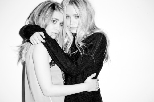 greenteaandsaltines:  Ashley and Mary Kate Olsen.
