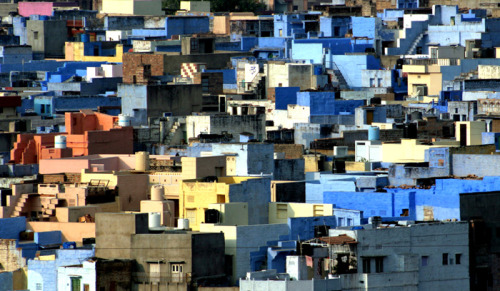 Jodhpur, India (via Jodhpur- Blue Puzzle, a photo from Rajasthan, West | TrekEarth)