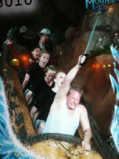"thedailywhat:  Splash Mountain Snapshot of the Day: Redditor helicopterboy says: ""My friend on splash mountain with a sword… That is all."" Tonight, we dine AT CAPTAIN JACK'S SEAFOOD SHACK! [reddit.]  Honestly, at this point I don't know why anyone takes normal on-ride photos."