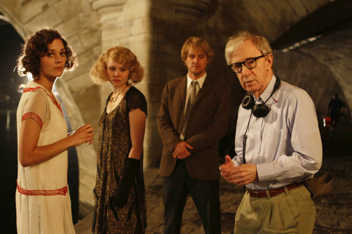 anneyhall: i want to see this movie.  Midnight in Paris (2011)  (via:waxandmilk)