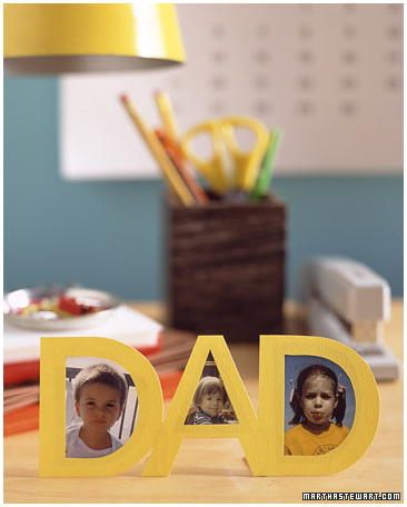 Father's Day gift idea: an easy D-A-D standing photo frame using card stock and paper clips!