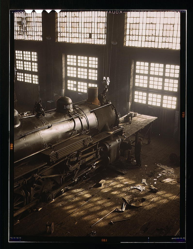 Santa Fe R.R. locomotive shops, Topeka, Kansas 1943 March Source: US Library of Congress