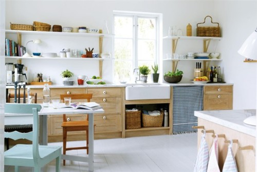 (via emmas designblogg)Une jolie cuisine en bois / A nice and simple wooden kitchen