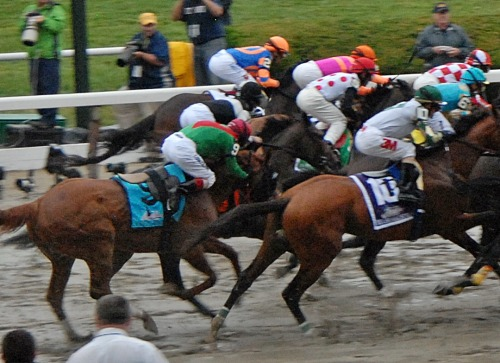 Bumping incident at beginning of Belmont Stakes prompt strong words from connections of Animal Kingdom http://bit.ly/iM1yZ9