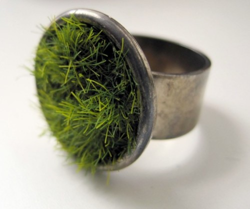 truebluemeandyou: Etsy Lush Grass Ring. Originally posted June 12, 2011. This is the post that inspired my blog.  Etsy. Lush Green Grass Ring in Gun Metal by Etsy Seller SeahagAndWalrus.