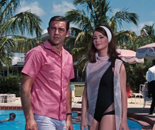 darklamb:  nickelcobalt:  (via The Suits of James Bond: Linen Shirt and Swimming Trunks)  People have been trying to tell me that leading men don't wear short sleeved shirts. Exhibit 1 to disprove that theory.