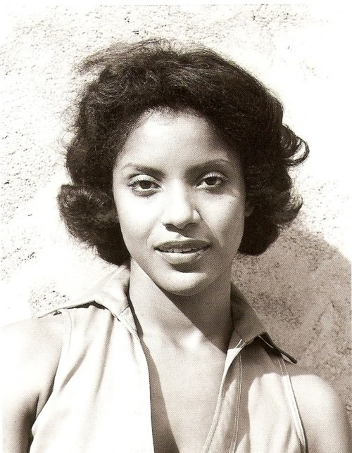 Mrs. Huxtable Again..Tumblr Milf Edition