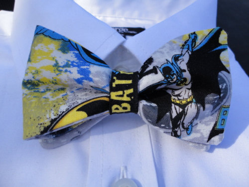 laurenmoran:  devilsaddiction:  there's a batman one too guys  UHH AND I WOULD WANT TO JUST MARRY THE GUY WEARING THIS ONE.  •Geekleetist: I have this tie…and the answer is YES!•
