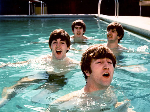4 from liverpool in a swimmingpool :_D