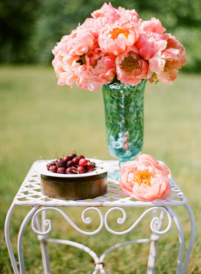 Today at The Bride's Cafe…      How about some luscious peonies to brighten up your Monday, beautifully captured by Katie Stoops Photography !   I'd love for you to stop by the cafe and see what's brewin'…we are excited to share some news for a new feature!  Come check it out!