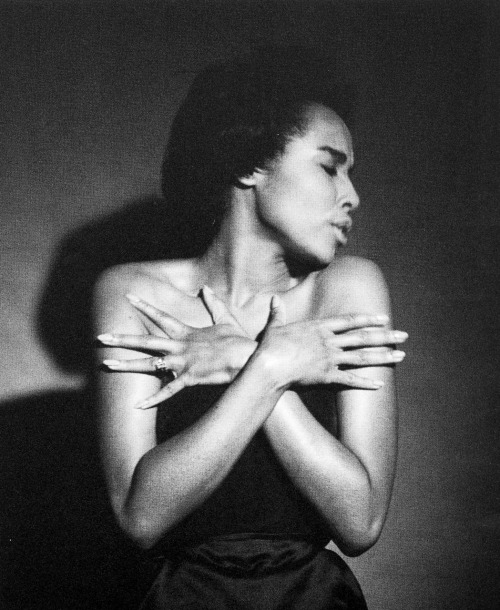 frankie-machine:   Diahann Carroll photographed by Milton Greene, 1959