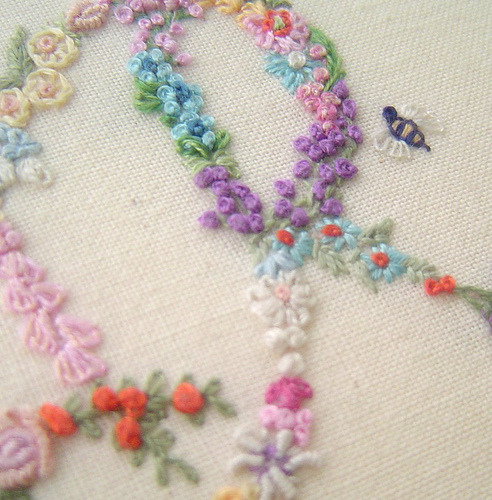 "cajunmama:  flower embroidery (by ebbandflo_pomomama)  ""the idea is from the Diana Lampe series of garden embroidery books"""