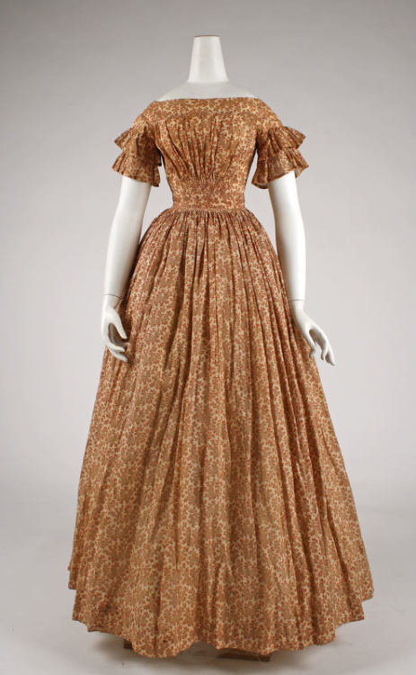 A very pretty printed cotton dress from 1847.