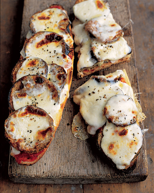 thatkindofwoman:  scout:What's for dinner: Martha's Eggplant and Mozzarella Melt