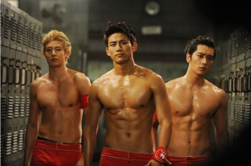 LOOK AT THEIR ABS~! IM FREAKING HIGH RIGHT NOW !! xD