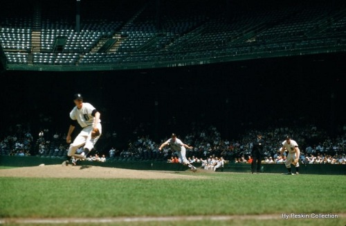Earl Torgeson goes for second, 7/3/59.