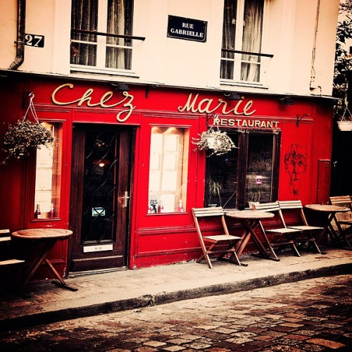 Chez Marie- Adorable Cafe in Montmartre- Paris, France