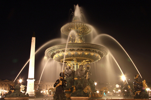 Fountain in the Place de la Concorde, Paris, France (by m.cavalcanti)