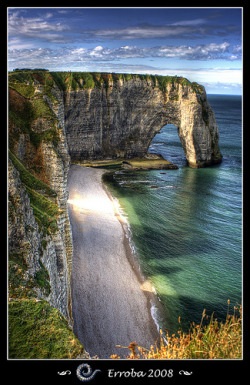 landscapelifescape:  The famous cliffs of Etretat, Normandy - France  (by Erroba)  Now adding this to my list of places I must see!