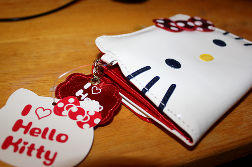 Hello Kitty Square Face wallet / quitemerriely-