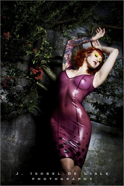 jisobeldelisle:  have been blessed - Elegy Ellem / latex by HMS