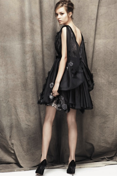 oncethingslookup:  Nina Ricci - Resort 2012