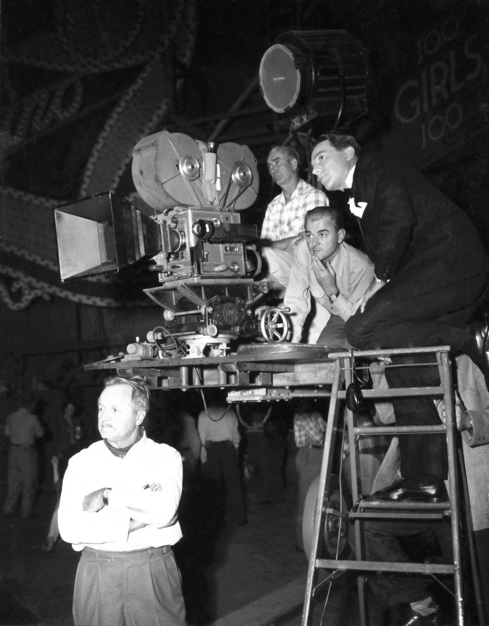 always-fair-weather:  Behind the scenes of Singin' in the Rain (1952)  So, if I ever get my hands on that TARDIS, I'm also heading back to watch Gene put this masterpiece together.