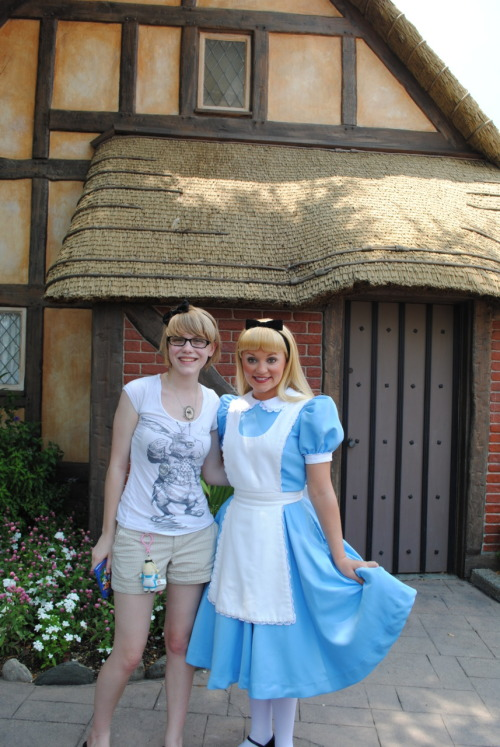 I recently got to meet Alice on my trip to Disney World :D Submitted by sekoshi