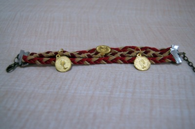 #130 Triple Red Camel Coins Bracelet IDR 25.000 Please contact or ask us via Tumblr for further informations. ♥