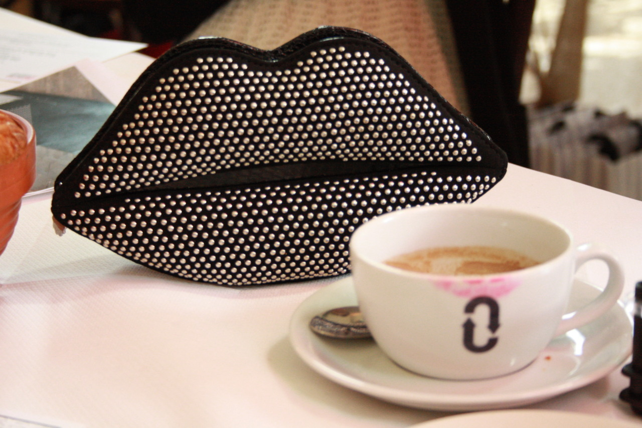 Breakfast with the lovely Lulu Guinness (and her studded Lulu lips clutch)