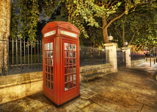 Telephone booth in London (via The World Around Photographer Trey Radcliffe | Travel Klix)