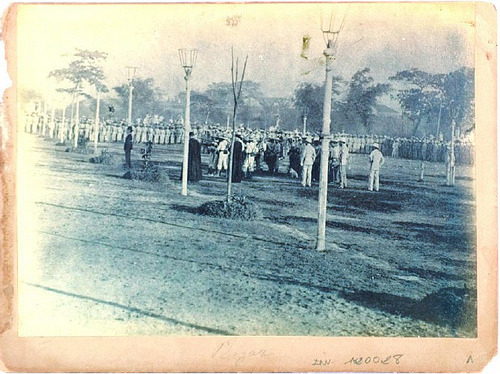 pinoytumblr:  Jose Rizal's Execution, 30 Dec 1896.  This photograph (Fusilamiento de José Rizal) was taken by Manuel Arias Rodriguez, a Spanish creole, and is considered one of the earliest known evidences of documentary photography in the Philippines.