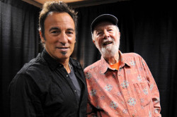 "(via Bruce Springsteen Guests on New Pete Seeger Album | Billboard.com) Bruce Springsteen has recorded a new Pete Seeger song for a Seeger album that is penciled in for release this holiday season.  Springsteen sings two verses and a chorus  on ""God is Counting on Us,"" a song Seeger wrote in response to the oil spill in the Gulf Coast. Appleseed Recordings will release the Seeger album.The song will be the sixth exclusive Springsteen song that Appleseed has released in conjunction with its various Seeger projects, label owner Jim Musselman told Billboard.com. The Boss has had tracks on 1998's ""Where Have all the Flowers Gone,"" 2007's ""Sowing the Seeds"" and 2007's ""Give Us Your Poor,"" among others.  ""Tomorrow's Children,"" the latest Seeger recording from Appleseed, won the Grammy this year for best musical album for children. Seeger, 92, has been honored with Grammys, a Kennedy Center Award, the Presidential Medal of the Arts and a Lifetime Legends medal from the Library of Congress. Musselman is calling on others to contribute to the album that he hopes to have singed within the next few weeks.  Springsteen paid tribute to Seeger in 2006 with his album ""We Shall Overcome: The Seeger Sessions"" and a live album from his tour performing the material."