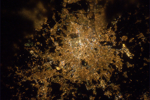 humanscalecities:  Paris by night