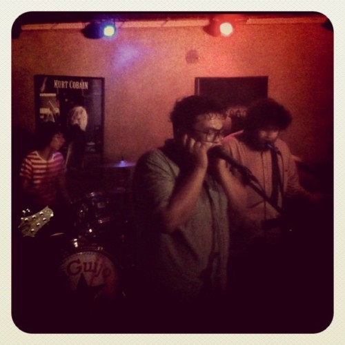 basterda:  Don't Bogart the Can… Man! last night at Saguijo. (Taken with instagram)