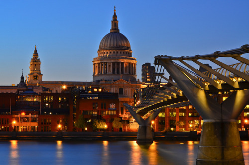 fuckyeahlondon:  travelthisworld: St. Paul's Cathedral, London, England