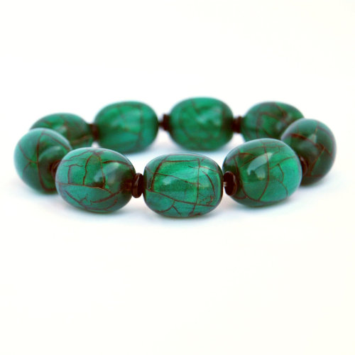 Beautiful emerald green bracelet from NoneVero.