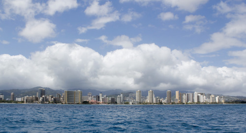 A picture of Honolulu from the ocean. damn was the yacht shaky from the waves lol