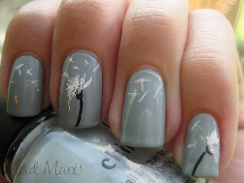 skysunspacebetween:  I so want to do this to my nails after the recital when they've grown out a bit more…  This is actually really, really, really adorable. I need nail art pens. I want nails that match my tat!  That's not tacky, right?