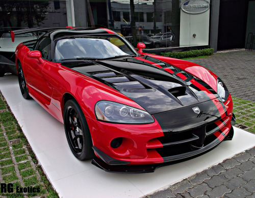 motoriginal:  Bitten by the Serpent Dodge Viper SRT10 ACR Photo taken by RG Exotics in Brazil