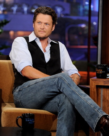Check out these pictures of Blake on the Toinight Show from last night!! http://blake-shelton.com/gallery/thumbnails.php?album=271