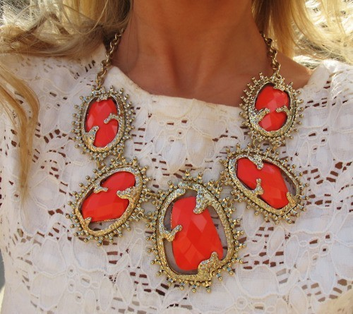 Colorful necklace perfect for the summer.