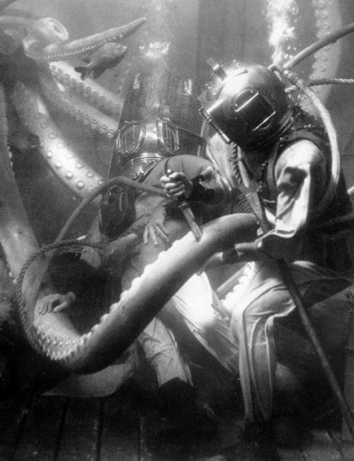 Giant killer squid vs. John Wayne and Ray Milland in Reap the Wild Wind (1942, dir. Cecil B. DeMille)