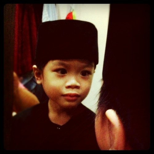 Hameez #Son #Boy #Cute #Traditional #Costume #Songkok #Malay #Young #Kid #igbru #brunika #iphoneography #iphonesia  (Taken with instagram)