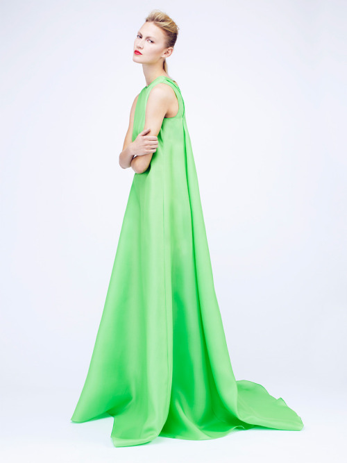 Green c'est la couleur de l'été !!  vogue:  Roksanda Ilincic Resort 2012 Photo: Courtesy of Roksanda IlincicVisit Vogue.com for the full collection and review.