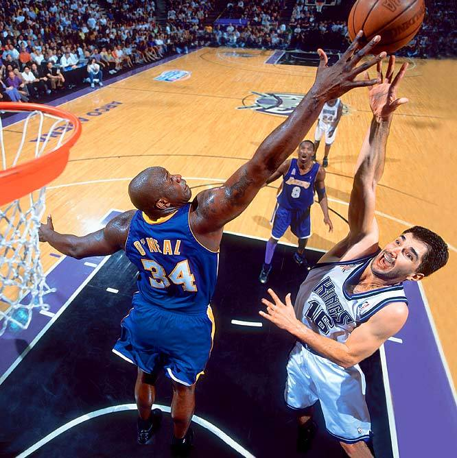 Shaq and Peja in the western conference finals in 2002